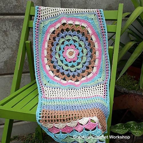Table Runner Free Crochet Pattern | DailyCrochetIdeas
