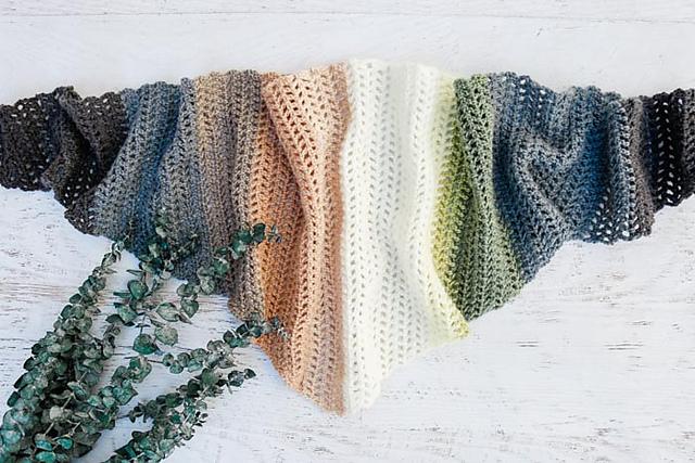 Triangle Scarf Free Crochet Pattern Dailycrochetideas