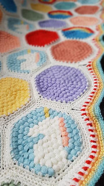 Hexipuff Unicorn Blanket Free Crochet Pattern Dailycrochetideas