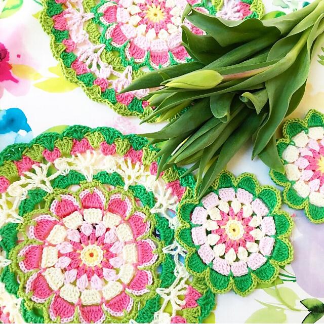 Pretty Petals Mandala Free Crochet Pattern Dailycrochetideas