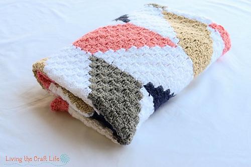 Herringbone C2C Blanket Free Crochet Pattern | DailyCrochetIdeas