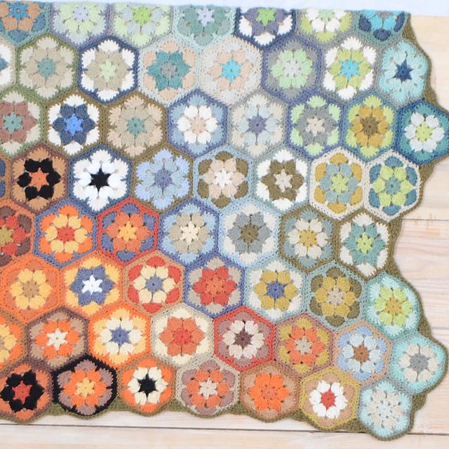 Splash Hexagon Blanket Free Crochet Pattern   DailyCrochetIdeas
