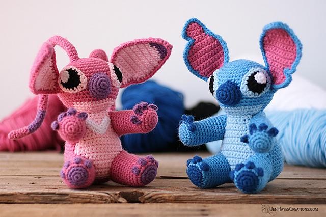Amigurumi Frontline Hero Bear Free Crochet Patterns + Video - DIY ...   426x640
