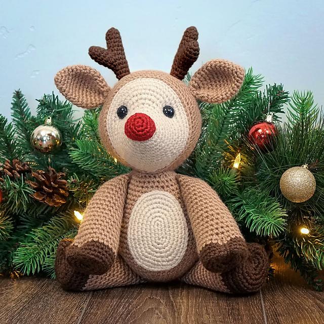 Denzel the Deer pattern by Amy Skinner | Crochet deer, Crochet ... | 640x640