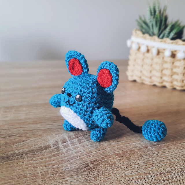 CROCHET POKEMON GRANNY BLANKET - YouTube | 640x640