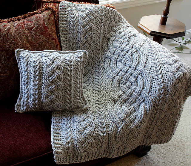 Irish Lullaby Cable Pillow Free Crochet Pattern | DailyCrochetIdeas