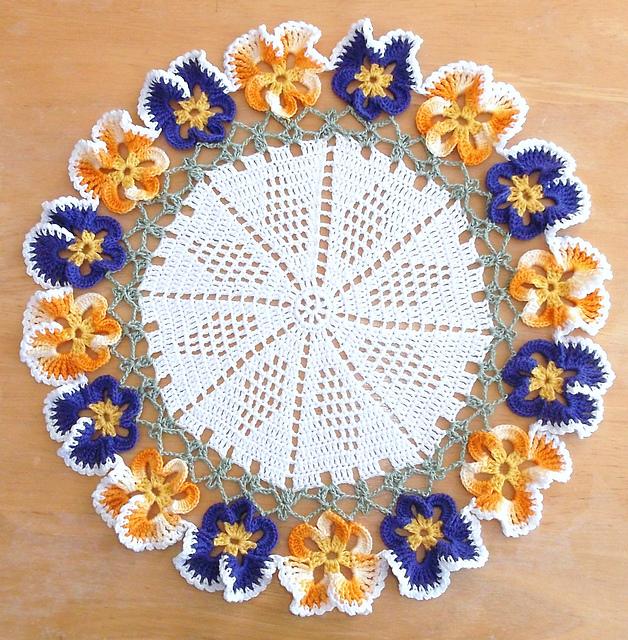 Pansy Doily Free Crochet Pattern | DailyCrochetIdeas