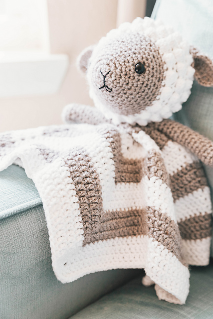 Little Lamb Baby Lovey Blanket Free Crochet Pattern Dailycrochetideas