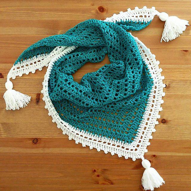 Bird Triangle Scarf Free Crochet Pattern