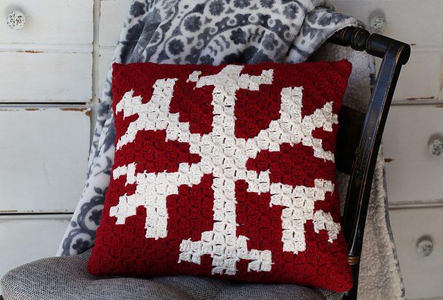 Snowflake Christmas Pillow Free Crochet Pattern