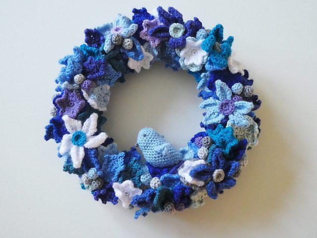 Christmas Wreath Images Free.Christmas Wreath Free Crochet Pattern Dailycrochetideas