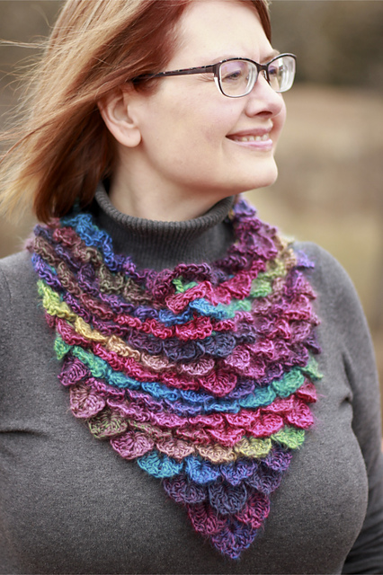 Dragon Cowl Free Crochet Pattern Dailycrochetideas