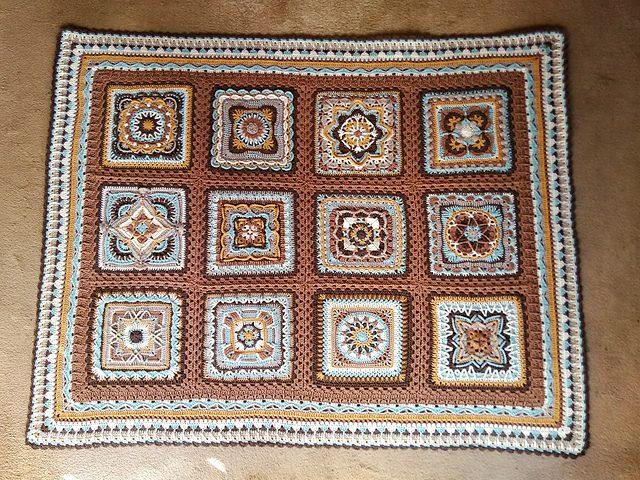 Meet me on the Corner Free Crochet Pattern   DailyCrochetIdeas