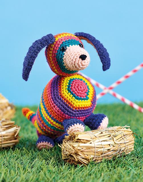 Schnitzel the Dachshund | Free Crochet Pattern | Hooked by Kati | 640x502