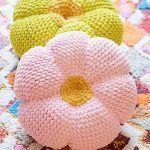 The Retro Throw Pillow Free Crochet Pattern2